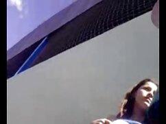 Adolescente mojado juguete delante de la maduras mexicanas desnudas cámara