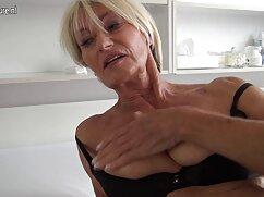 Atractiva chica caliente dedos madura mexicana nalgona en el coño
