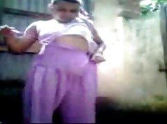 Sexy caminar maduras mexicanas cogelonas con su marido delante de la cámara de vídeo.