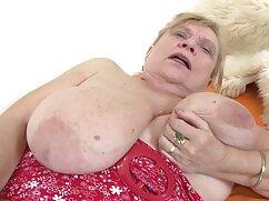 Sexy maduras sexo mexicanas Babe cuida de su coño, juguete anal